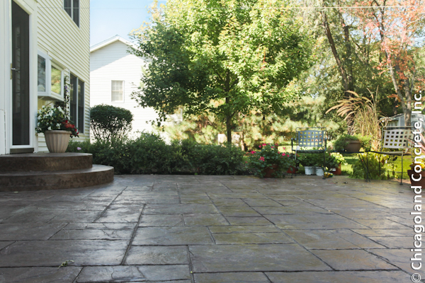Chicago Stamped Concrete Patio with Ashlar Slate Pattern